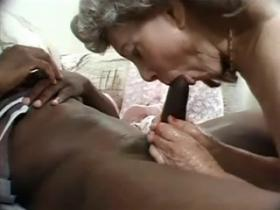 Granny whore getting plagged by huge black schlong