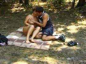 Mom enjoys oral sex with youthful guy on picnic