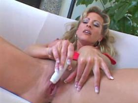 Milf gets double cock pleasure and double load