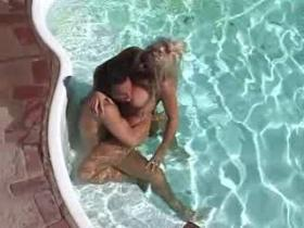 Yummy blonde mommy going naughty in the pool